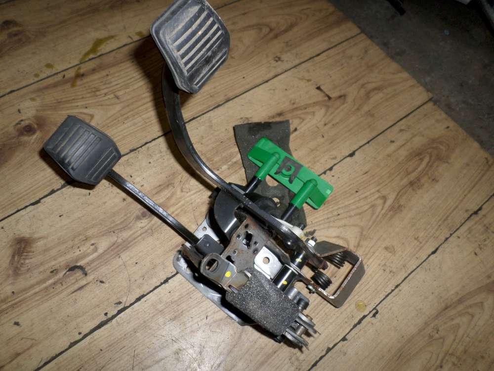 Original Ford Focus Kupplungspedal und Bremspedal Bremse 98AB2450
