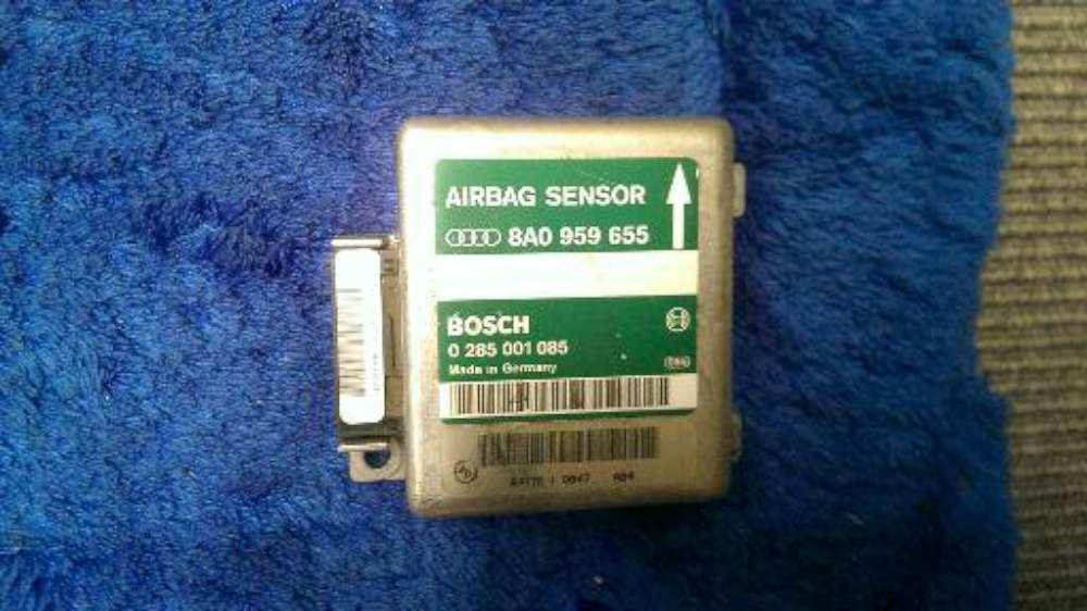 Audi A4 Avant Bj.1998 Airbagsteuergerät Airbag 8A0959655 / A0959655 / 0285001086