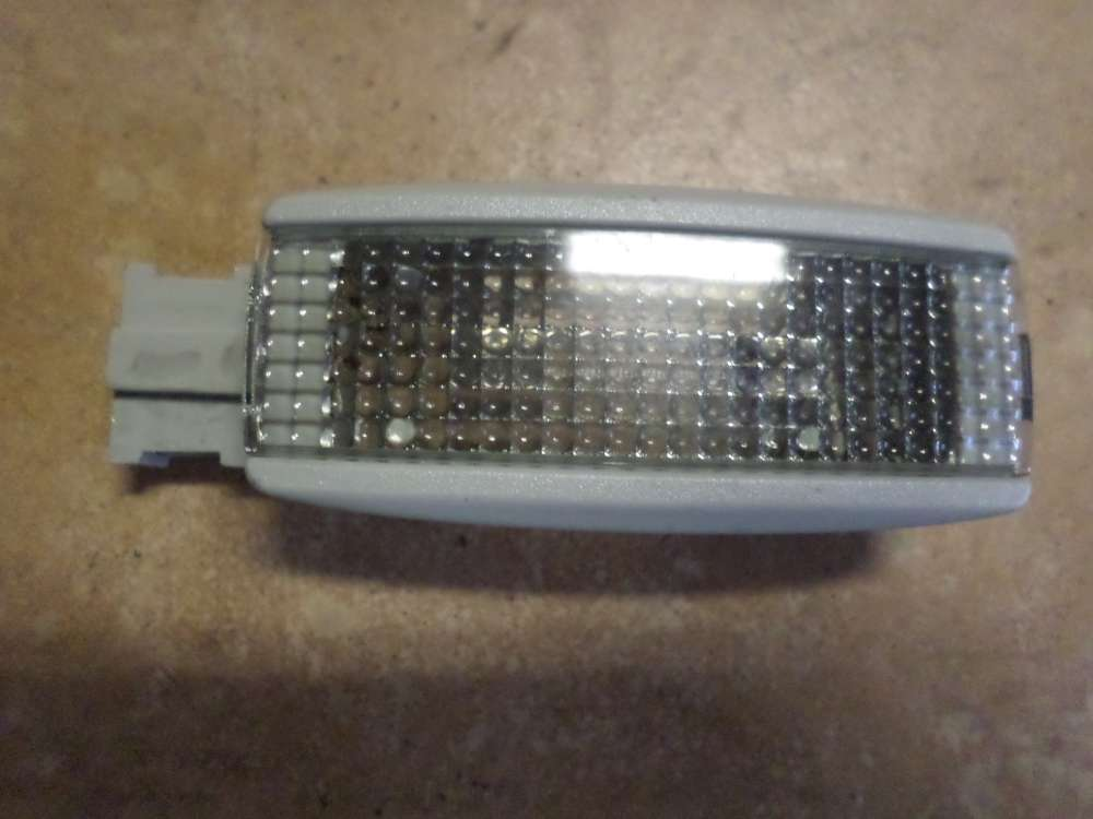 VW Golf 4 Bj:99 Leselampe Innenraumleuchte Licht vorne 3B0947113