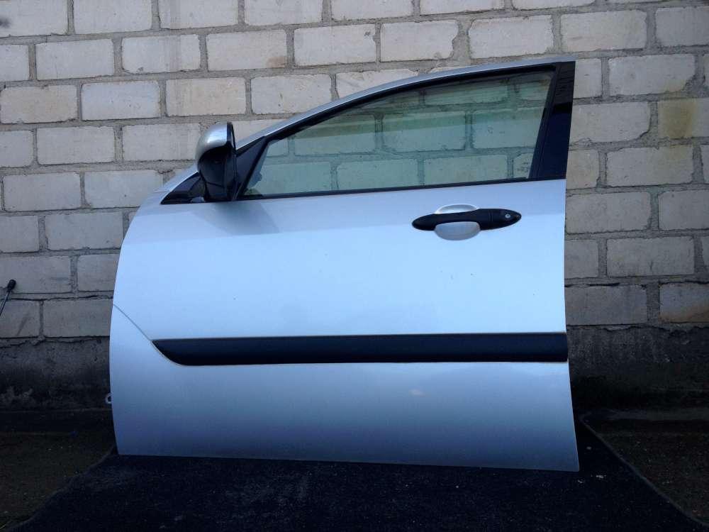 Ford Focus DNW von 1999 bis 2005 Kombi Fahrertür Tür vorne links Farbe: Silber