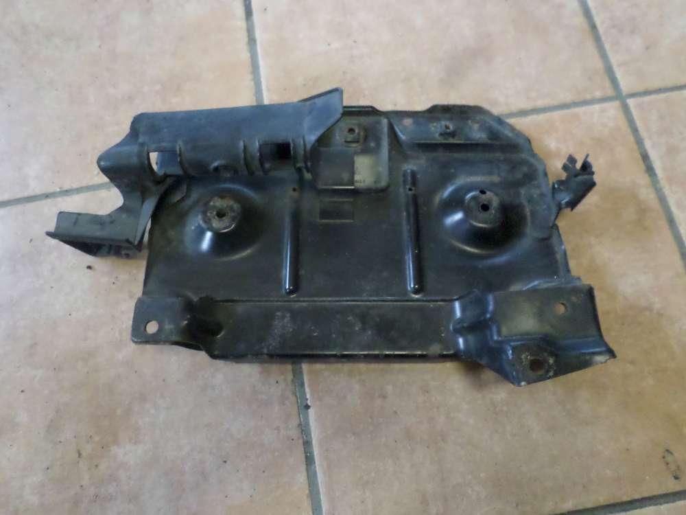VW Golf 3 Batteriehalter Halter Batterie Motorraum 1H0804845A