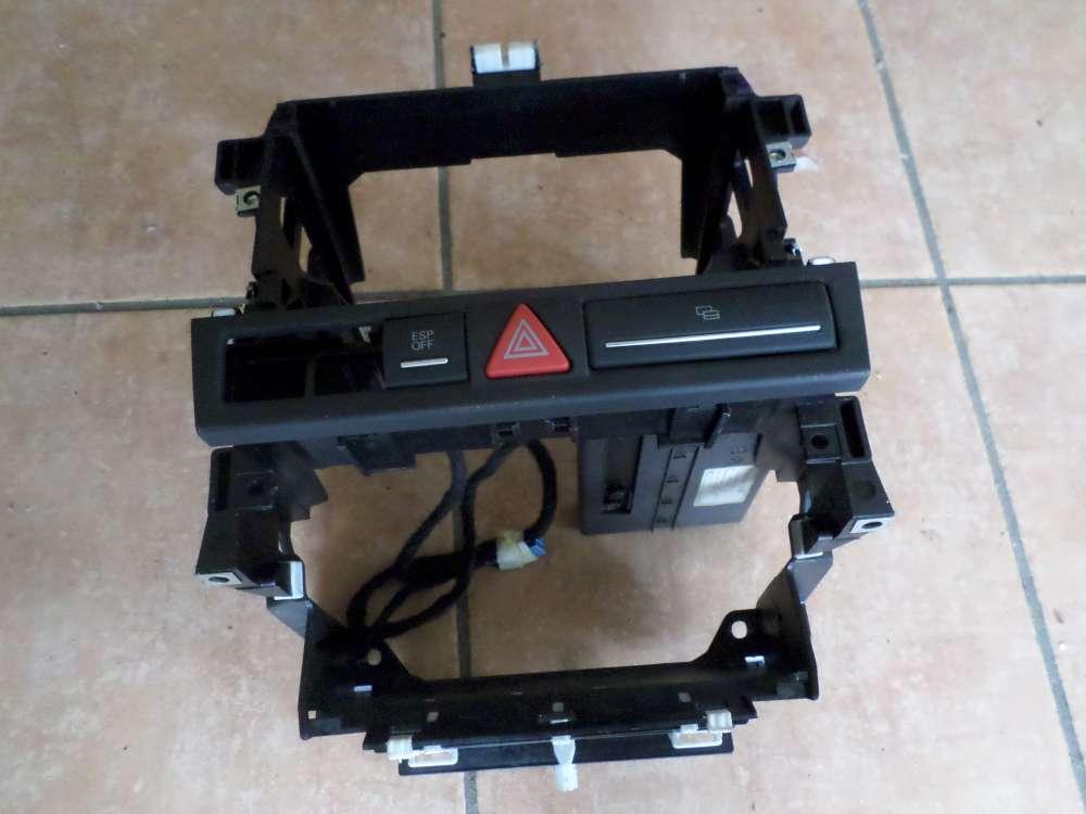 Audi A3 8P Bj 2007 Radioschacht Radiorahmen Mittelkonsole mit Schalter 8P0858005