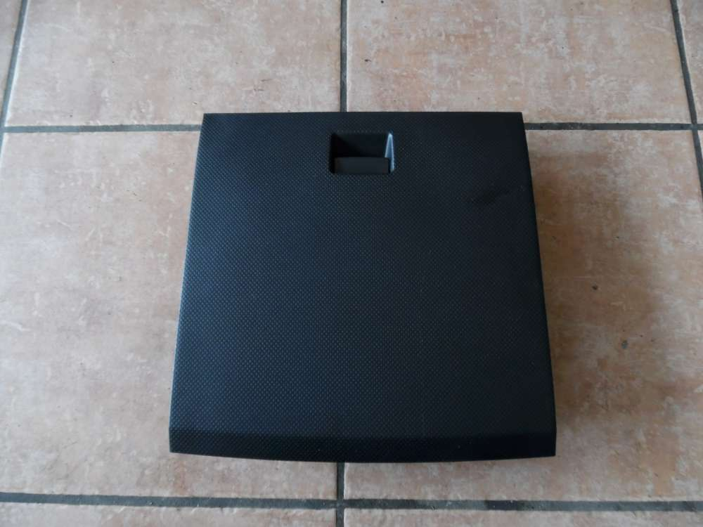 Mazda 2 DY Handschuhfach Ablagefach D37464501