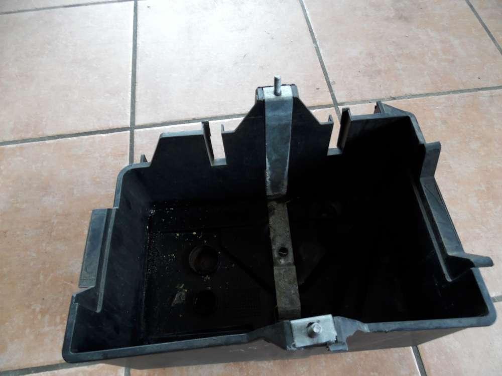 Mazda 2 DY Bj:2004 Batteriekasten Batterie Batteriehalter 2S6T10723