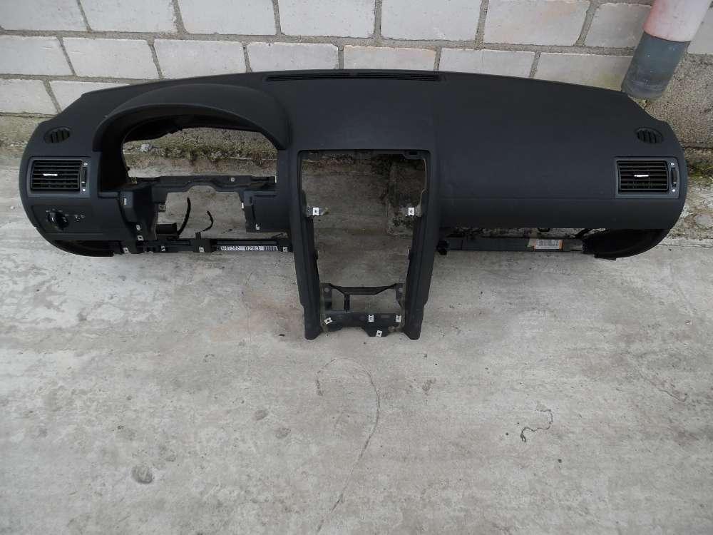 Ford Mondeo Bj:2003 Armaturenbrett 1S7H18A612A