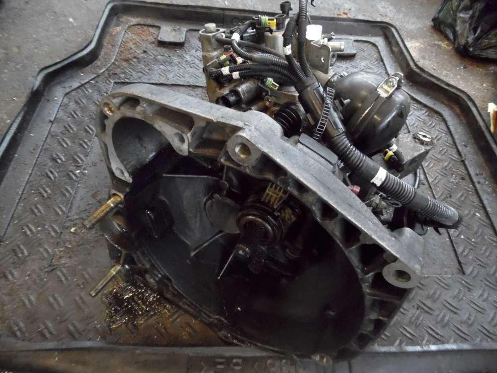 AlAlfa Romeo 147 Bj 2001 Benzin Getriebe Schaltgetriebe B 813 / 46423429