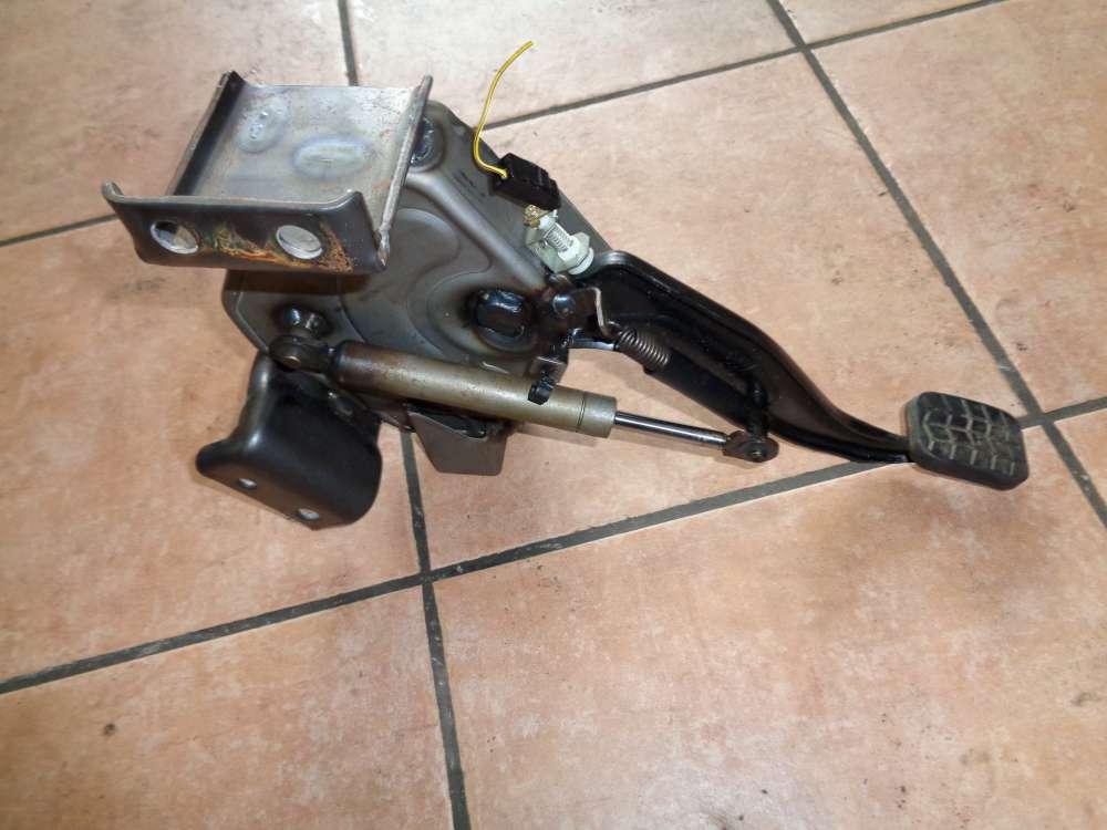 KIA Carnival Bj:05 2.9 CRDI Handbremse Pedal Feststellbremse Bremspedal