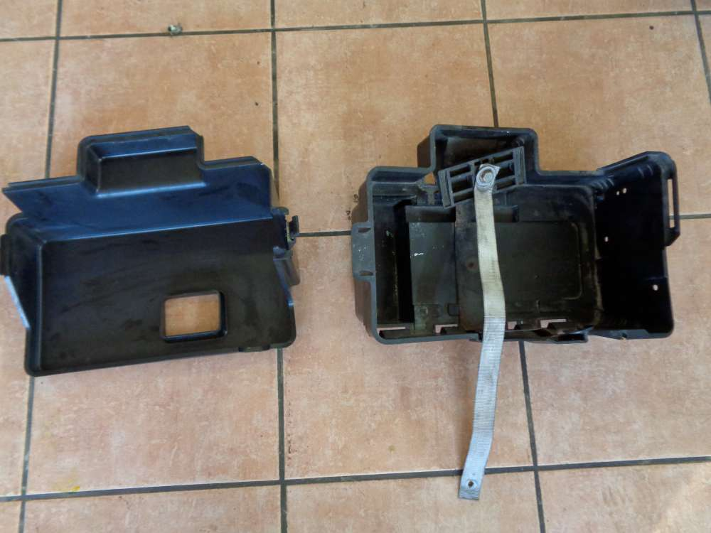 Ford Focus 1.8 TDCi Batteriebadeckung Abdeckung 98AB10A659CG 98AB10723BK