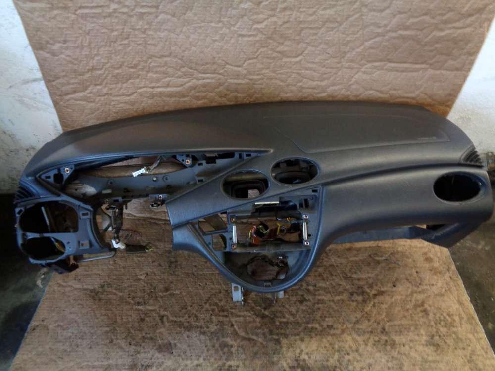 Ford Focus Kombi Bj:1999 Armaturenbrett Cockpit Verkleidung