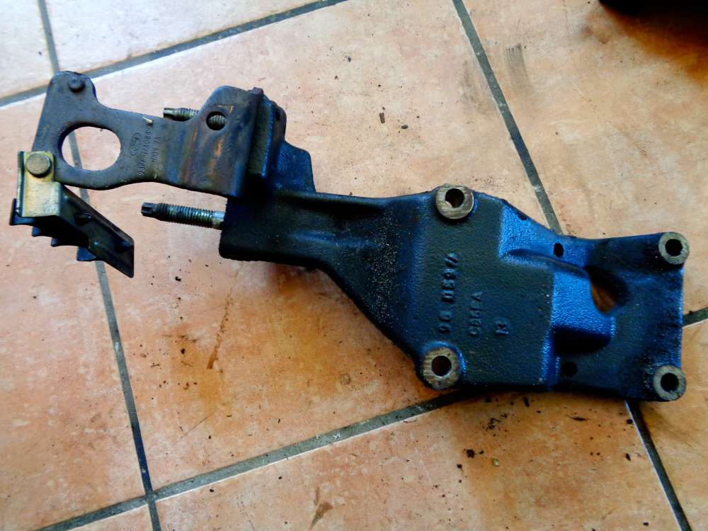 Ford Mondeo 1.8L Bj:97 Motorhalter 93FF19E708AD
