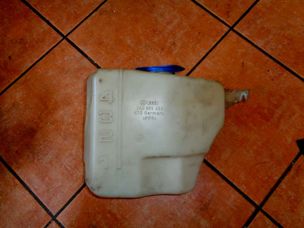 VW Passat 35i Bj 1999 Kombi Wischwasserbehälter Scheibenwaschbehälter 3A0955453