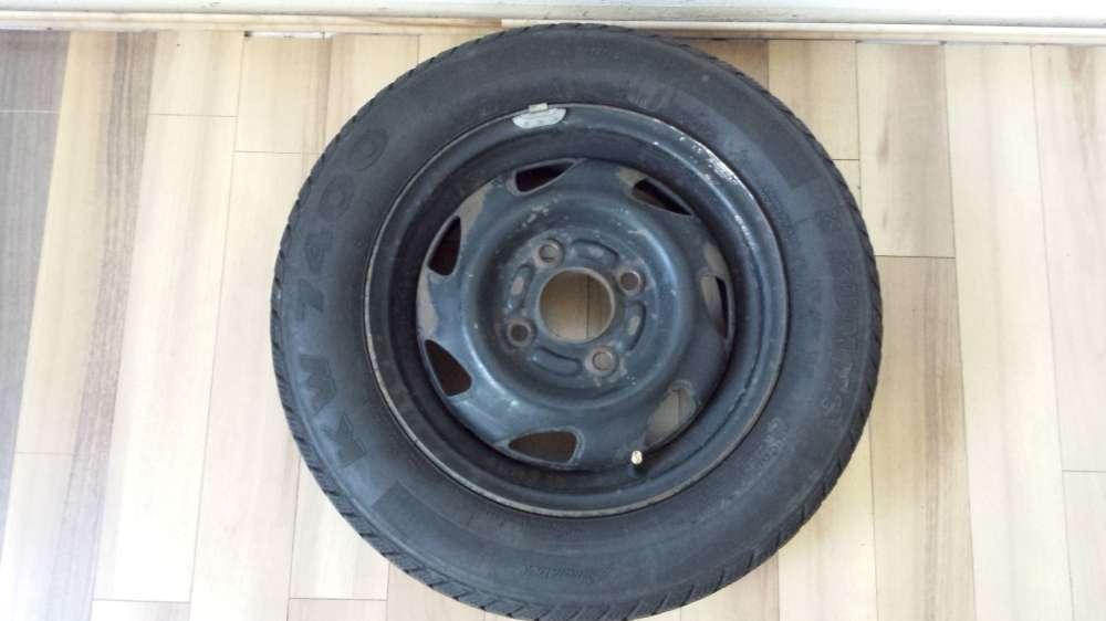 1 Winterreifen Stahlfelgen Ford Fiesta,Ka,Courier 4,5Jx13 ET:37,5 155/70 R13 75T