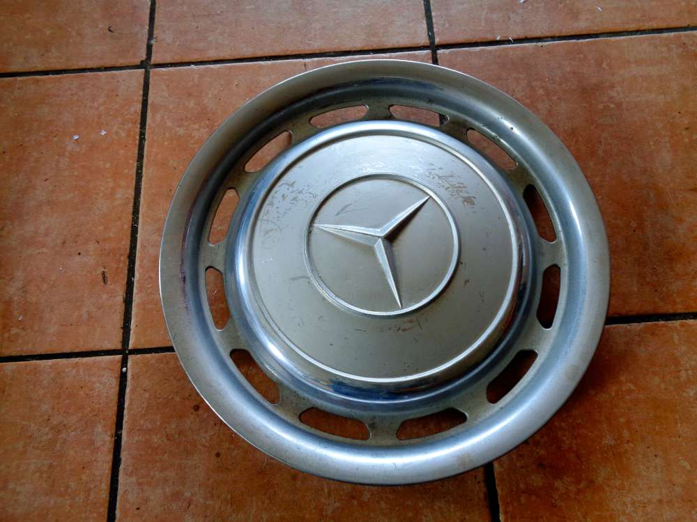 Mercedes Benz W123 Radkappe Chrome 14 Zoll