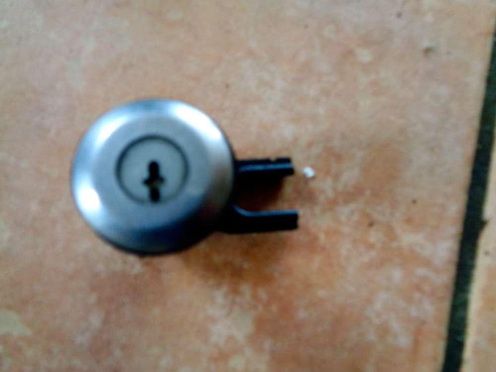 Citroen Xsara Picasso Bj:2001 Schliesszylinder Tür Vorne Links