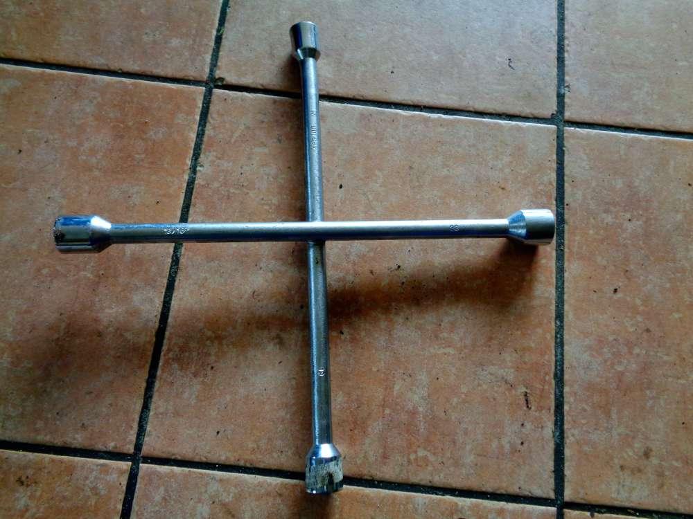 Radkreuz PKW LKW Werkzeug Radmutternschlüssel SW 17 19 22 13/16