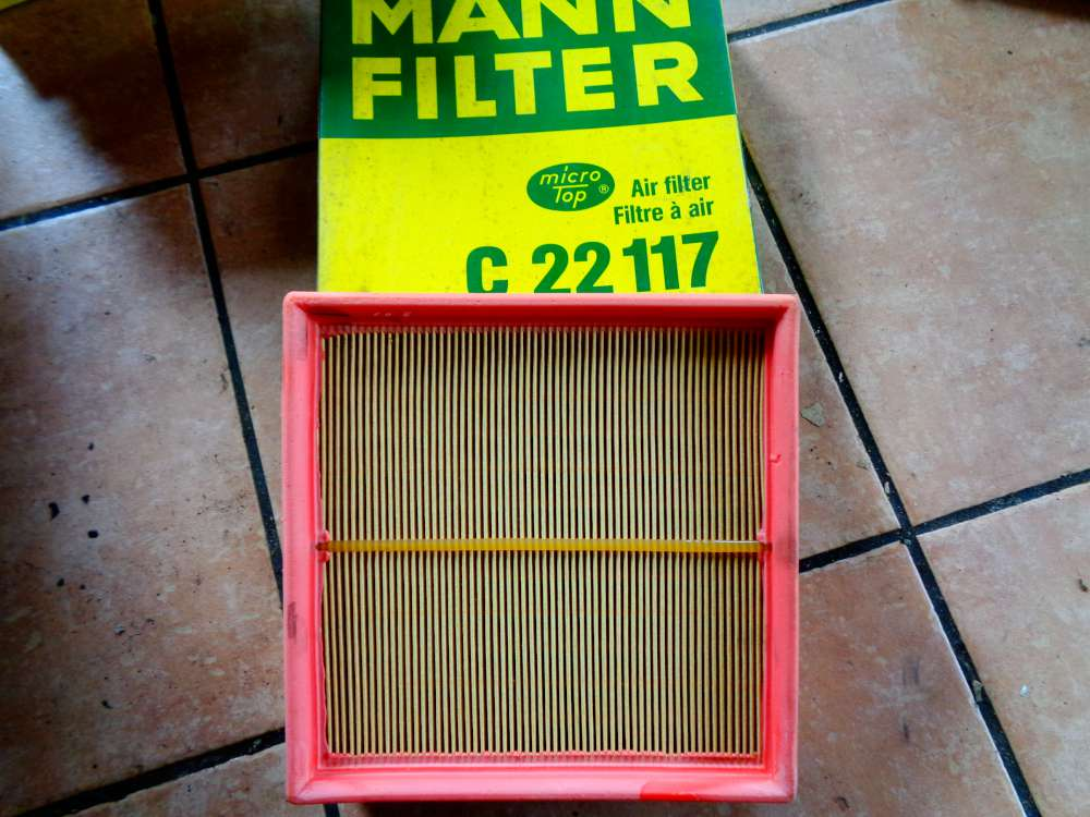 MANN-FILTER Luftfilter Motor Filter C 22117