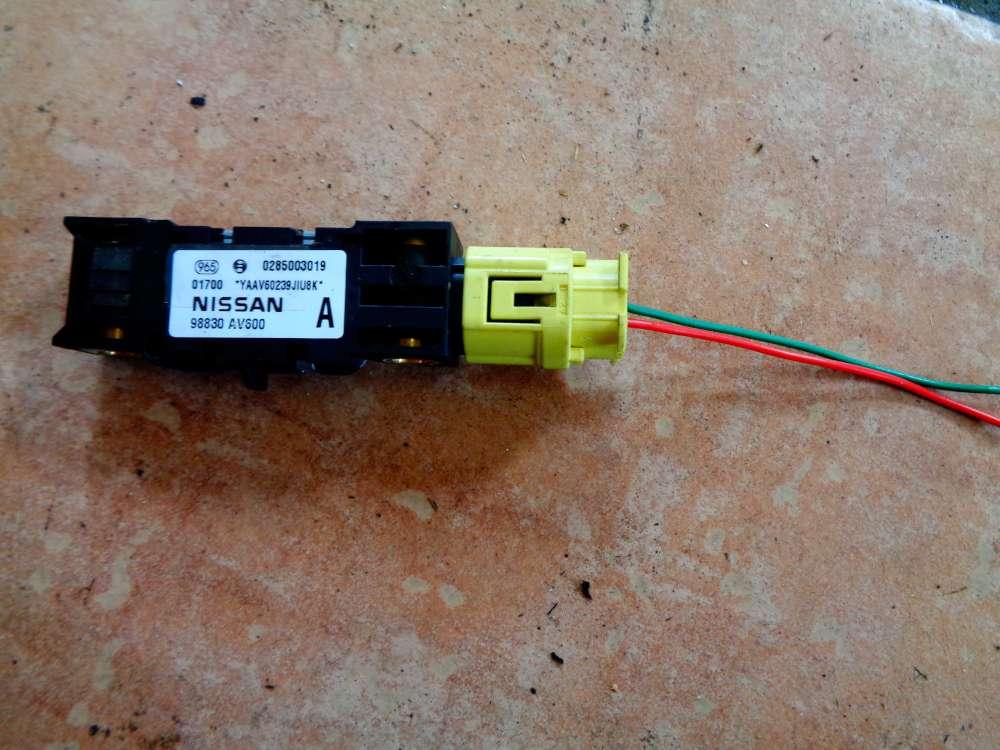 Nissan Primera P12 Bj:03 Airbagsensor Sensor Airbag Vorne 0285003010 / 98830AV600