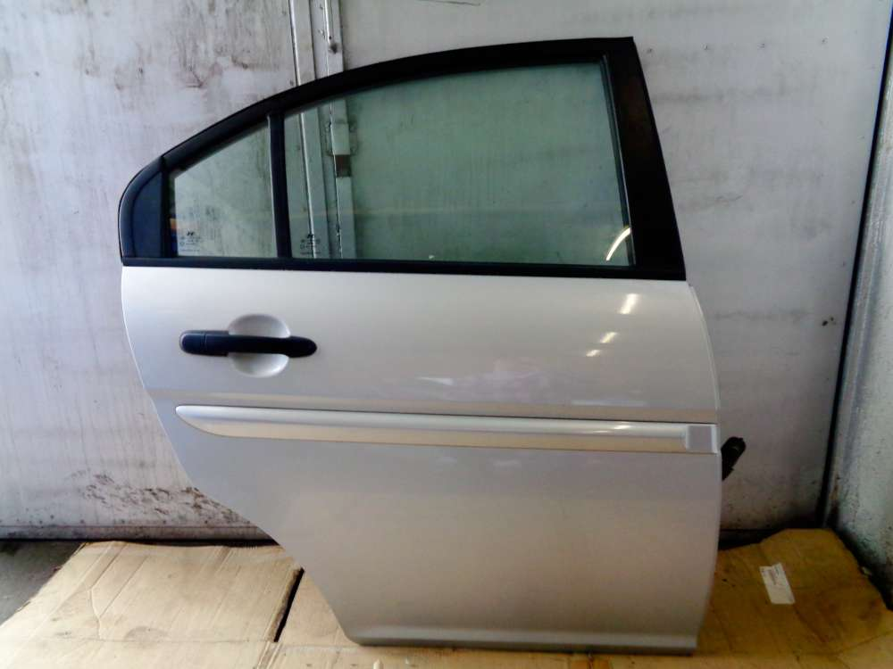Hyundai Accent MC Bj:2007 5-Türer Tür Hinten Rechts Farbcode : 5S