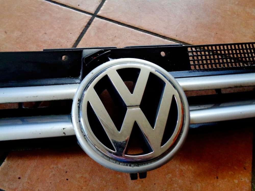 VW Golf 4 Bj:2000 Frontgrill Kühlergrill Emblem 1J0853655G 1J0853651H