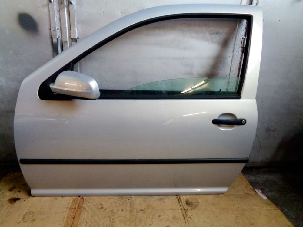 VW Golf 4 Bj:2000 3-Türer Tür Vorne Links Silber Farbcode: LB7Z