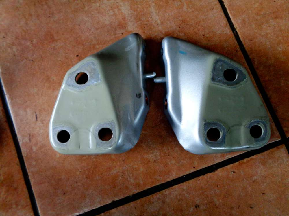 VW Golf 4 Kombi Einstellteil Halter Vorne Links und Rechts 1J0419255B / 1J0419256B