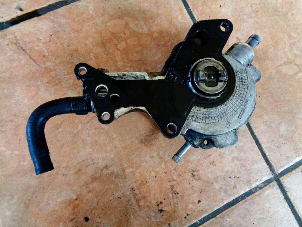 VW Golf 4 Kombi 1,9 TDi Bj:2002 Vakuumpumpe Dieselpumpe 038145215