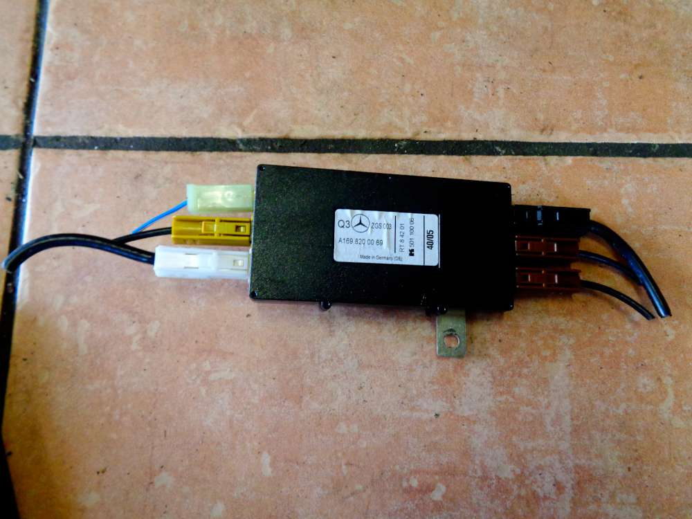 Mercedes W169 A-Klasse A180 CDI Bj:2005 Antennenverstärker Antenne Verstärker A1698200089