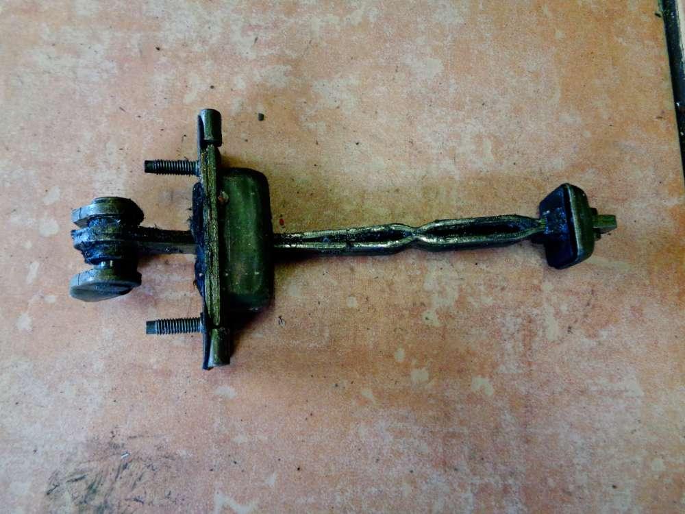 Ford Focus Kombi DNW Bj:1999 Türfangband Vorne Rechts
