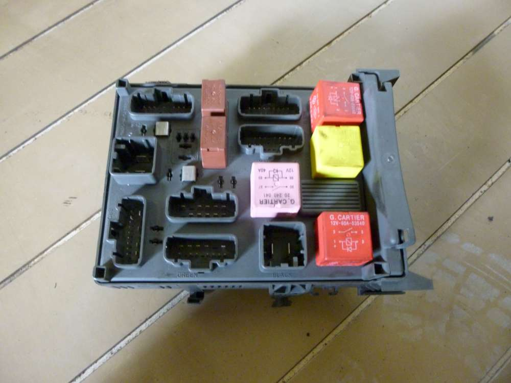 Renault Espace IV Bj:2004 Sicherungskasten 8200004201E