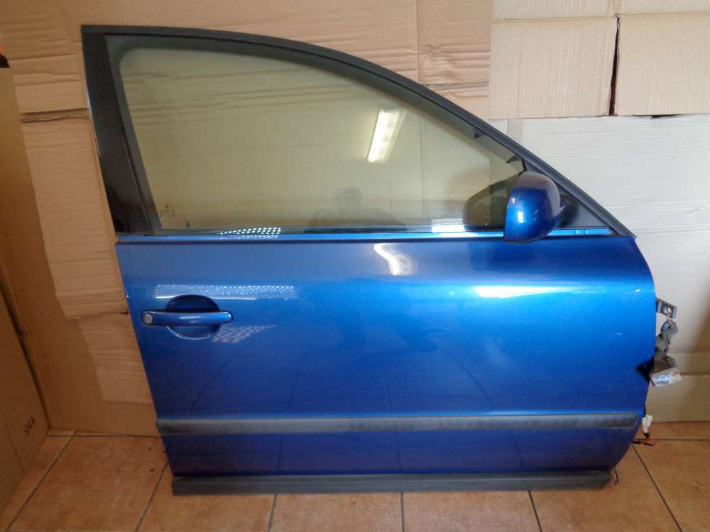 VW Passat 3B Kombi Bj:1997 Tür Vorne Rechts hallblau Farbcode : LR5U
