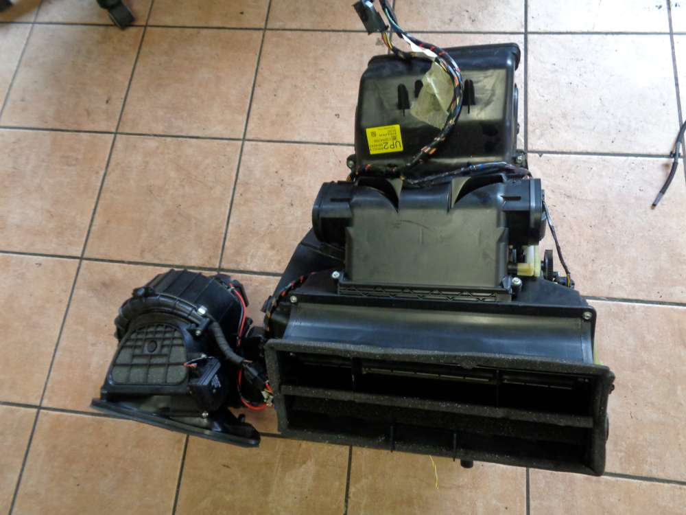 Opel Astra H Bj:08 Klimakasten Heizungskasten Klimaanlage Zusatzheizung Wärmetauscher 13204089