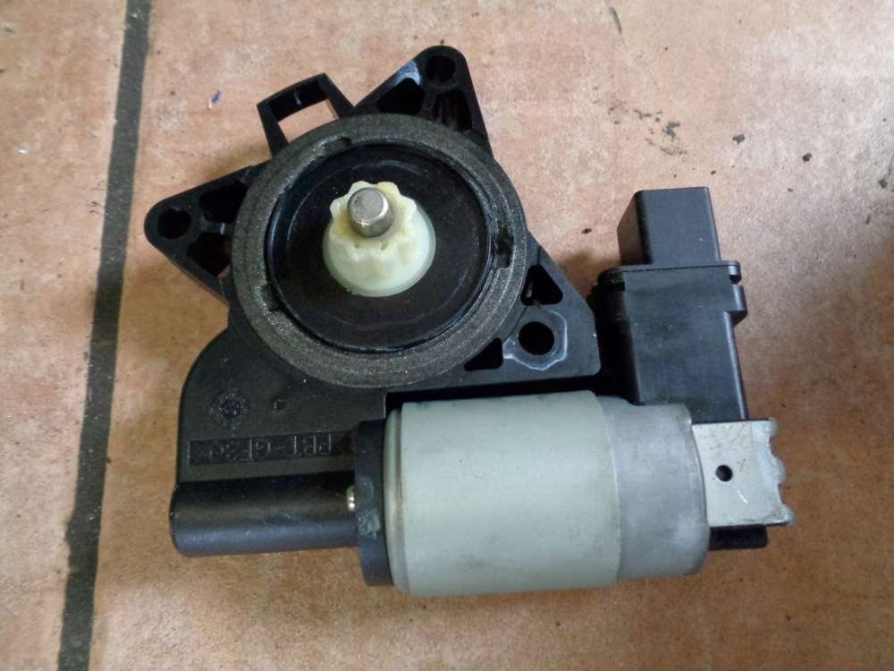 Mazda 2 DY Bj 2004 elektrischer Fensterhebermotor  Vorne Links G22C5958X