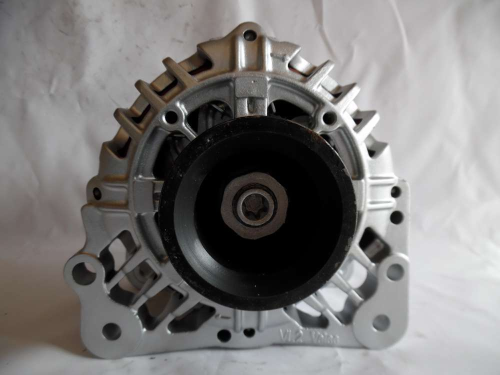 Lichtmaschine Generator 90A Valeo VW Audi Seat Skoda 030903023J SG9B013
