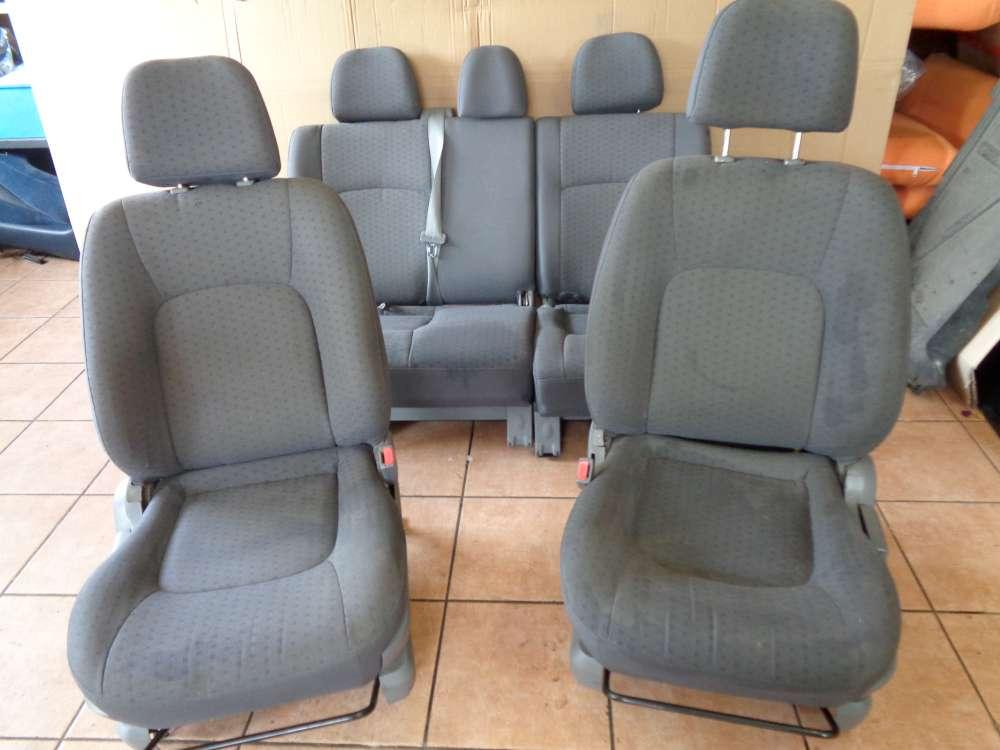 KIA Carens II Bj:2003 Sitze Komplett grau Stoff