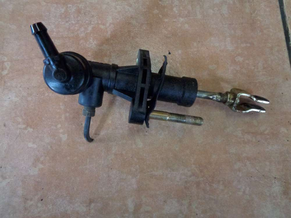KIA Carens II Bj:2003 Kupplungsgeberzylinder Kupplungsgeber Kupplungszylinder