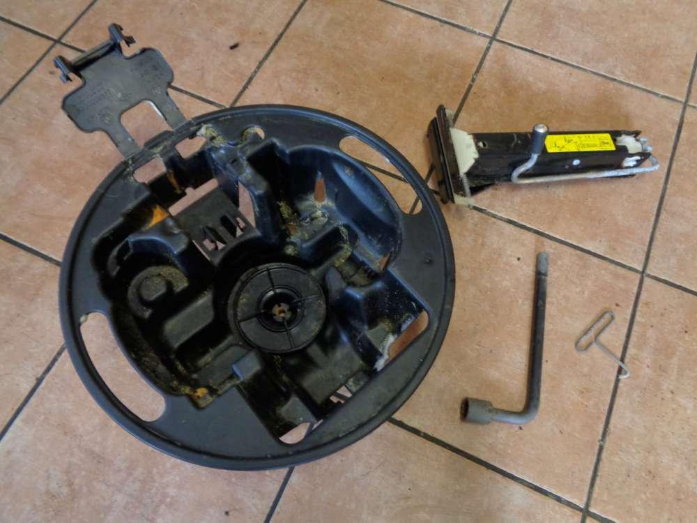 Renault Laguna II Bj:2003 Bordwerkzeug Wagenheber Mutternschlüssel 8200002577