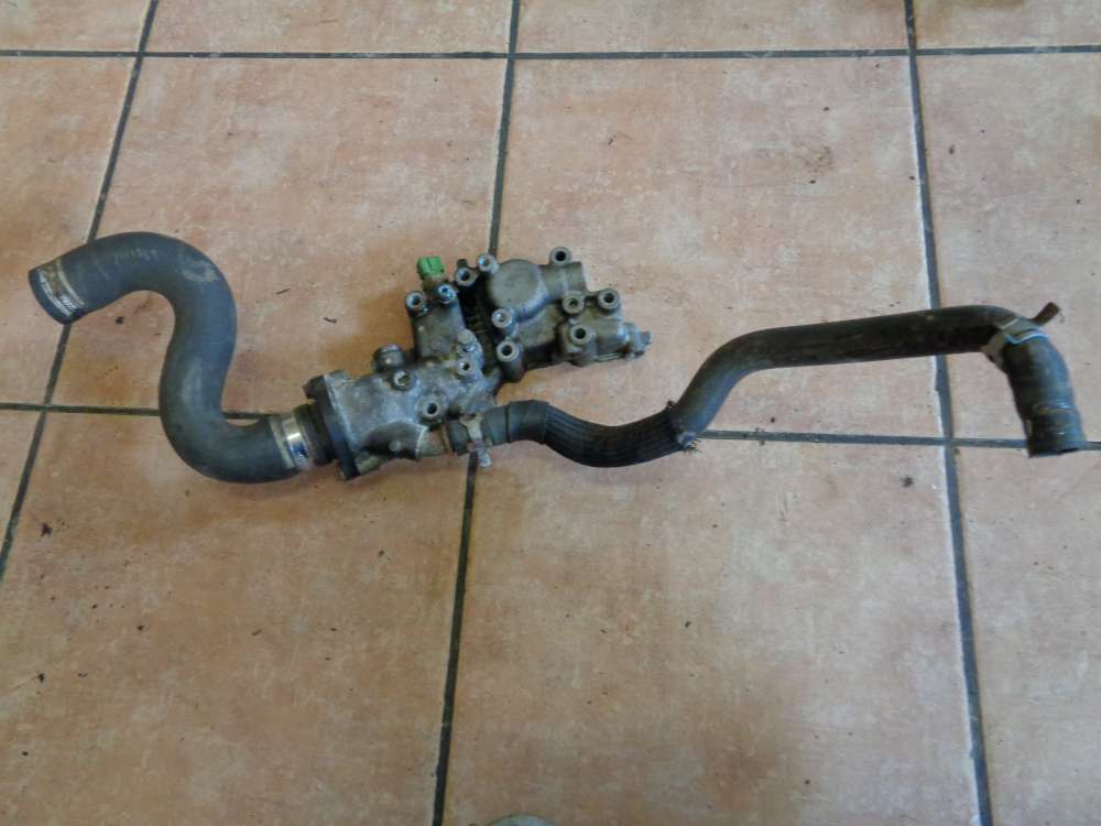 Peugeot 206 Bj:2000 Thermostatgehäuse mit Schlauch 963470580