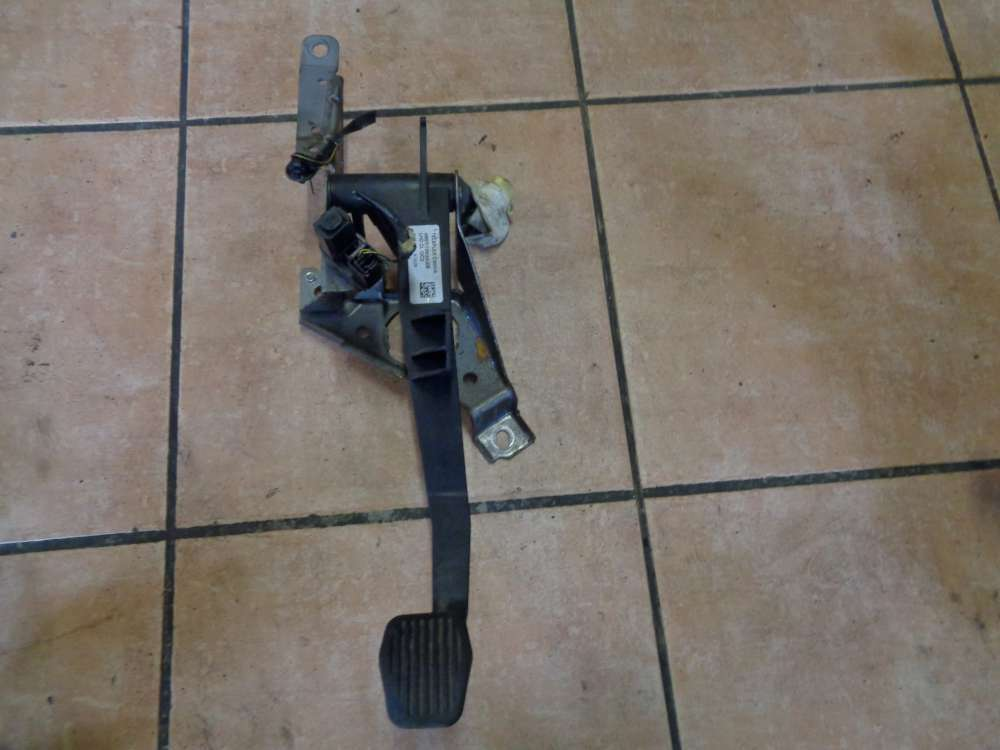 Ford Focus II DA3 Kupplungspedal Kupplung Pedal 4M51-7B633-XB