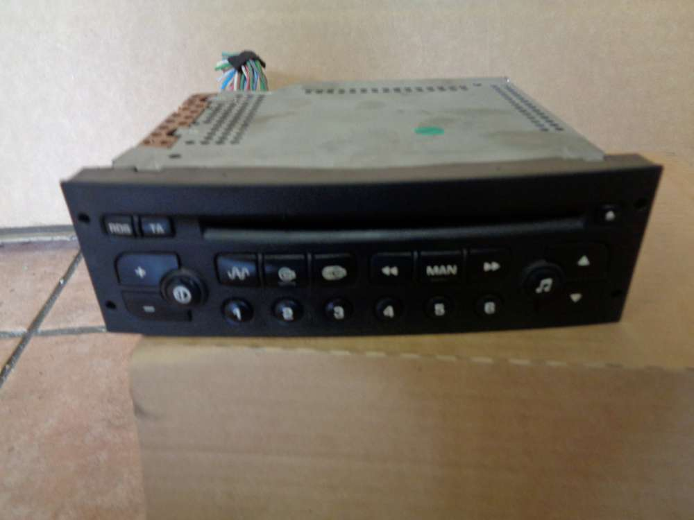 Peugeot 307 Bj.2004 Radio mit CD Player Model No: PSARCD100-04 96545978XT00