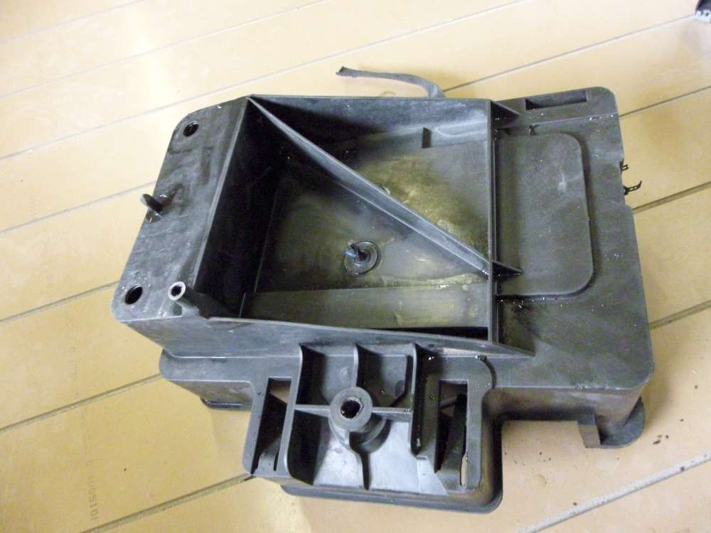 Ford Focus Batterie Halterung Gehäuse Kasten 98AB10723AH