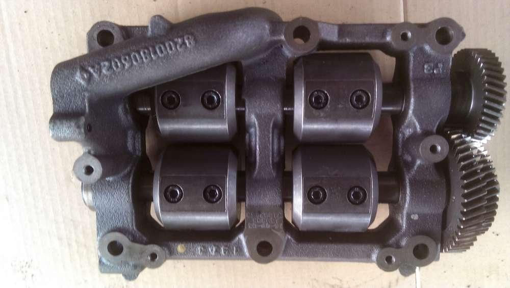 Renault  Espace 4 Laguna 2Vel Satis 2,2 dCi Ölpumpe Ausgleichswelle 8200180602A