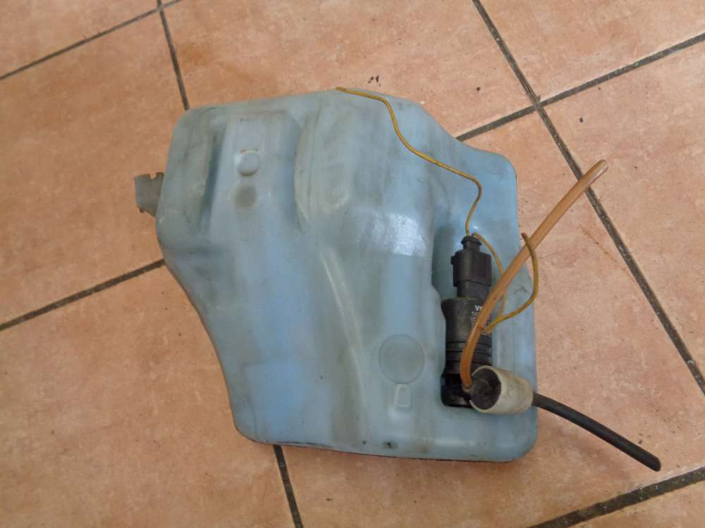 VW Passat 35i Wischwasserbehälter mit Pumpe 357955453B