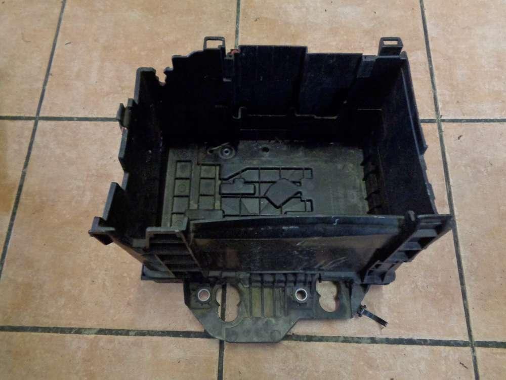 Renault Clio 3 Bj:2006 Batteriehalter batteriekosole 8200314272