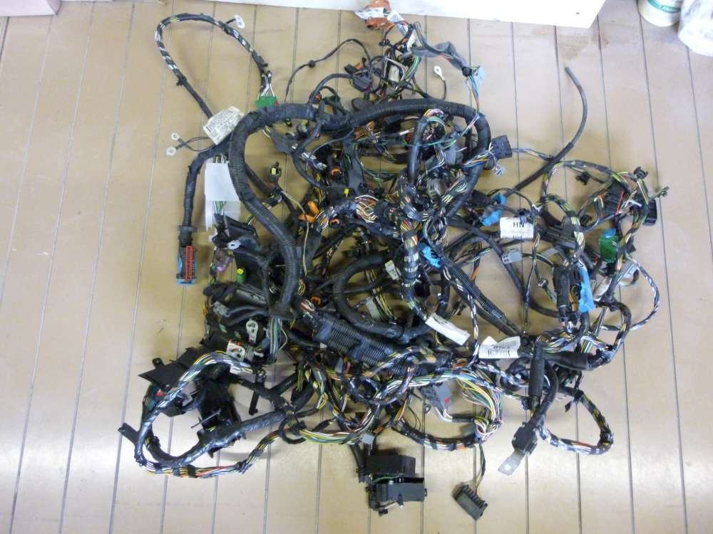 Ford Focus HYDA Komplett  Motorkabelbaum 6M5T12A690 mit Masse Klemme Batterieklemme 3M5T14A280