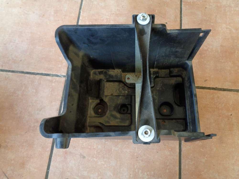 Ford Fiesta VI Batteriehalterrung Kasten 8V2110723AC