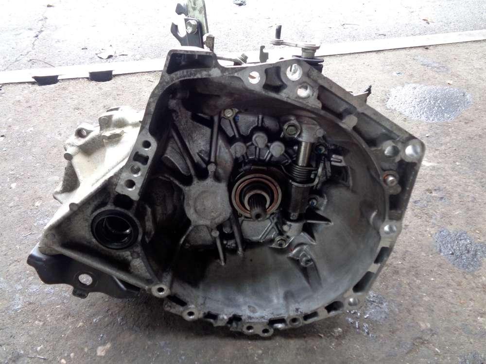 Peugeot 107 1L Bj:2009 Getriebe Schaltgetriebe 93822KM