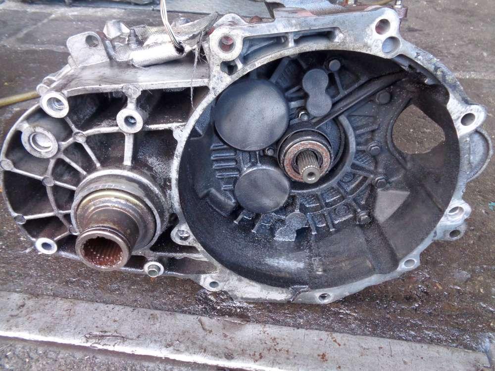 VW Sharan 7M 1.9 TDI Bj 02 Getriebe Schaltgetriebe 02N301103