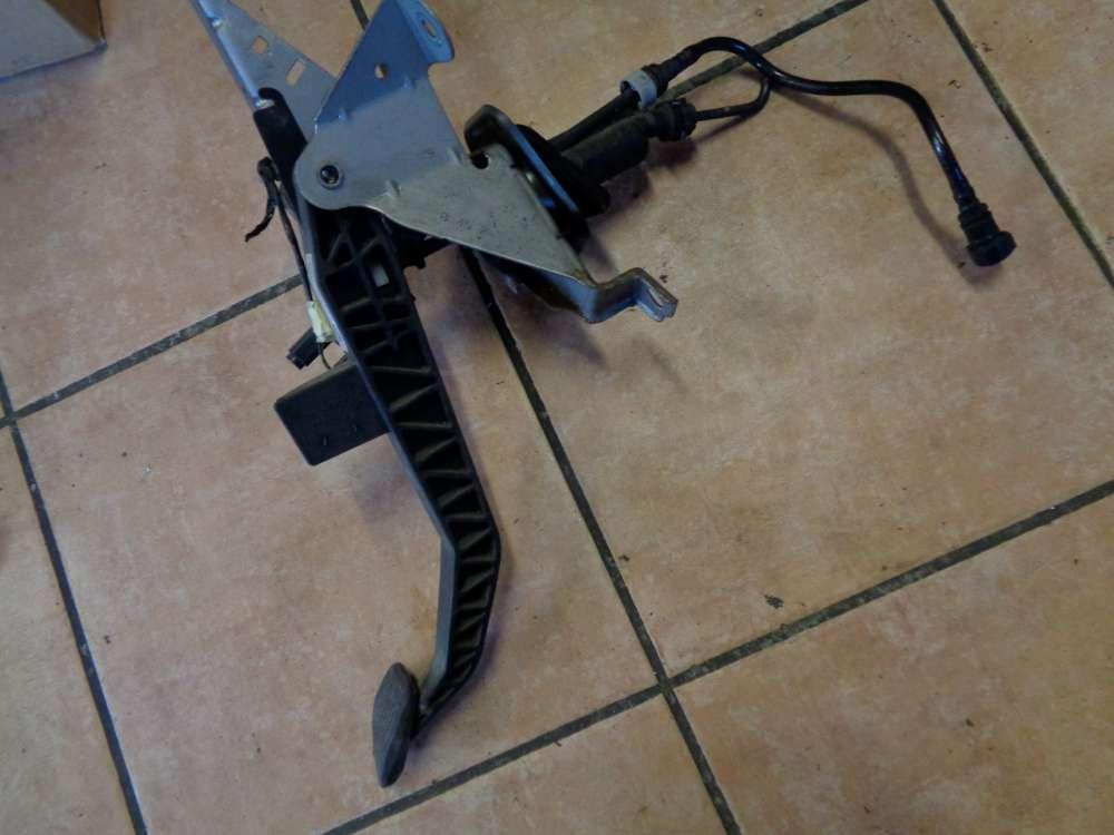 Ford Focus AD3 Bj:08 Pedal Kupplung Kupplungspedal 4M51-7B633-XG