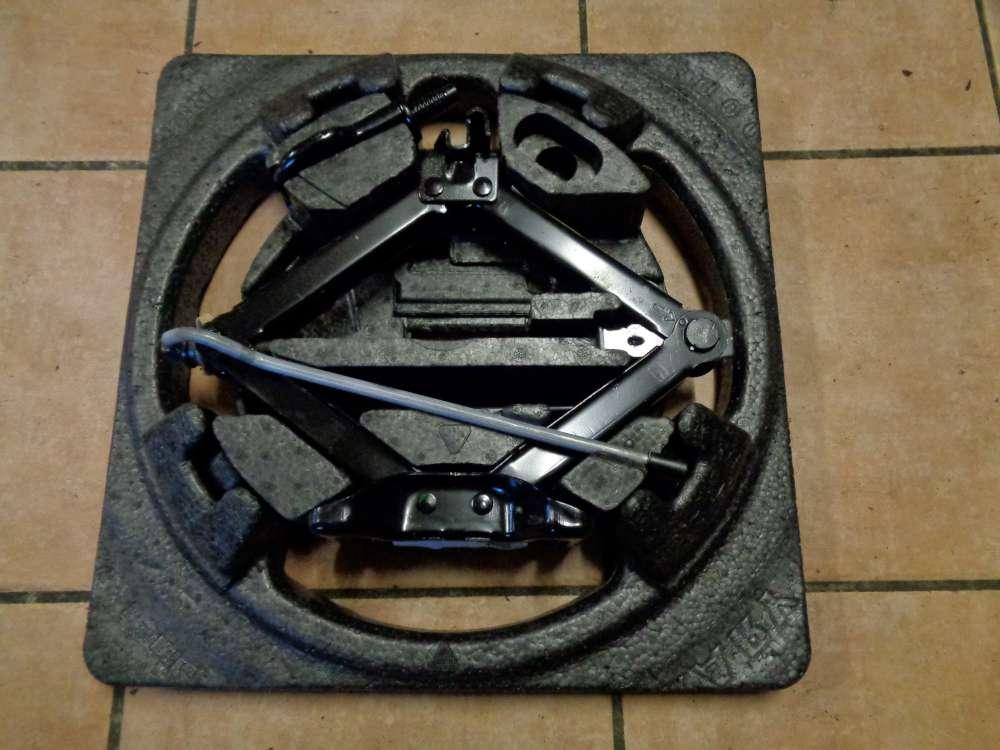 Ford Focus AD3 Bj:08 Wagenheber Radschlüssel 6M51-17009BB