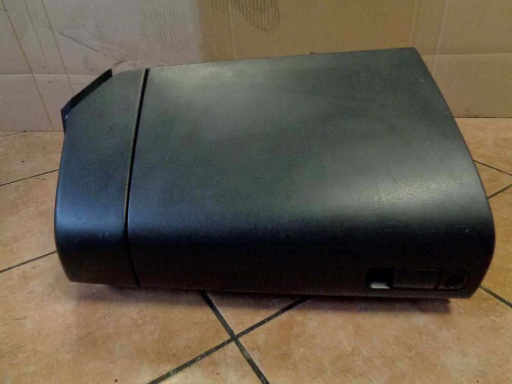 Mazda 3 BK 1.6i Bj:2004 Handschuhfach Ablagefach BP4K64161